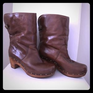 Leather Ugg clog boots